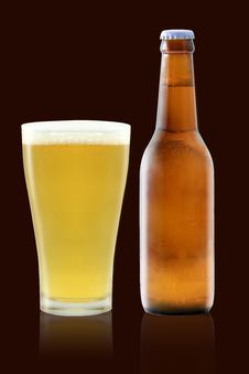 Free Beer Bottle And Beer Glass Royalty Free Stock Photo - 22820095