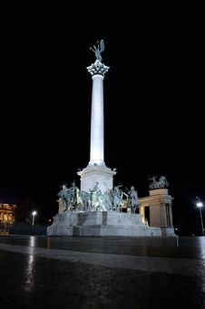Free Budapest Heroe S Square At Night Stock Photography - 22823942