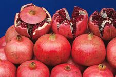 Free Picture Laid Out On The Counter Fruit Pomegranate Royalty Free Stock Photo - 22838095