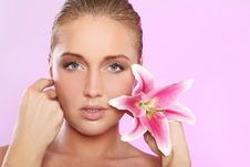 Free Beautiful Woman With Lily Flower Stock Images - 22856794