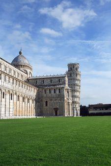 Free Leaning Tower Of Pisa Royalty Free Stock Images - 22872039