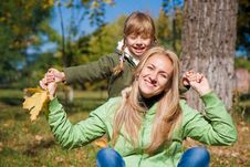 Free Young Mother And Her Toddler Girl In Autumn Stock Photo - 22874400