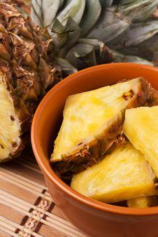 Free Pineapple Chunks Royalty Free Stock Photography - 22877277