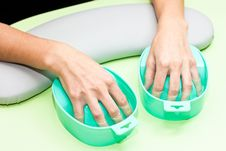 Free The Process Of Steaming Hands Before Manicure Royalty Free Stock Photos - 22884238