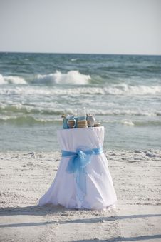 Free Beach Wedding Royalty Free Stock Photos - 22887568