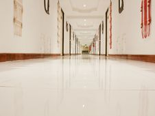Free Corridor Royalty Free Stock Photos - 22891528