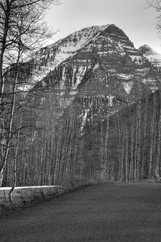 Free Black And White Mt Road 4 Royalty Free Stock Photography - 2293327