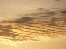 Free Streaky Clouds Royalty Free Stock Photos - 2294418