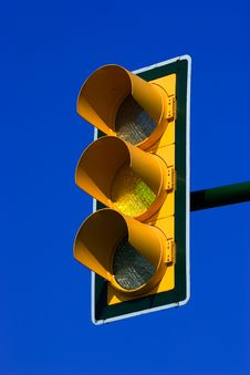 Free Yellow Traffic Light Royalty Free Stock Image - 2295066