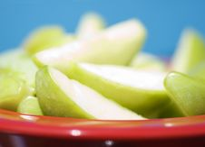Free Juicy Sliced Apples Royalty Free Stock Photography - 2297217