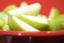 Free Juicy Sliced Apples Royalty Free Stock Images - 2297219