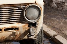 Free Destroyed Car Royalty Free Stock Images - 22911789