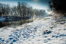 Free Beautiful Winter Morning On The River Royalty Free Stock Photo - 22917965