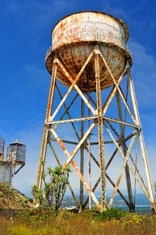 Free Rusty Water Tank Tower Royalty Free Stock Photography - 22935997