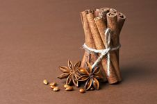 Free Cinnamon Stick And Anise Stars Royalty Free Stock Photography - 22950457