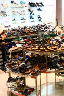 Free Traditional Indian Footwear Retail Outlet Stock Image - 22960521