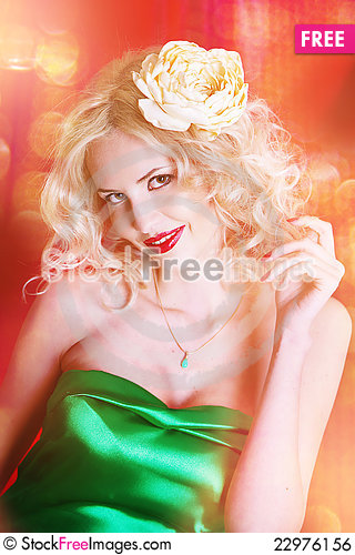 Free Young Blond Lady Posing Royalty Free Stock Image - 22976156