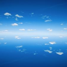 Free Background Of Sky And Water Royalty Free Stock Photography - 22970787