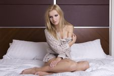 Free Beautiful Blonde In Bed Royalty Free Stock Photo - 22971855