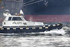 Free Pilot Boat Royalty Free Stock Images - 22980909