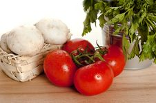 Free Tomatoes, Champignon And Parsley Stock Image - 22996781
