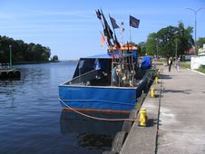 Free Fishing Boat Royalty Free Stock Photos - 236448