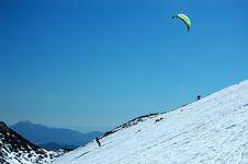 Free Kite Skiing Royalty Free Stock Images - 2300289