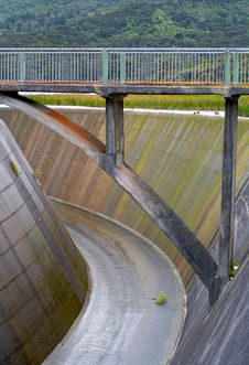 Free Bridge Over A Dam Spillway Stock Photo - 2302980
