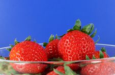 Free Bowl Of Organic Strawberries Royalty Free Stock Photography - 2307987