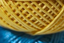 Free Yellow And Blue String Stock Photography - 2308312