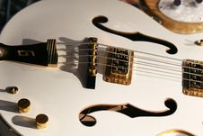 Free Classic White Guitar 2 Stock Images - 2308944