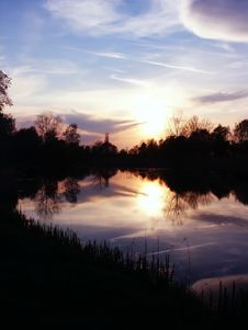 Free Sunset Sun Reflection In River Stock Photography - 2309552