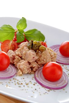 Free Tuna Salad Whit Onion End Tomato Royalty Free Stock Images - 23007949