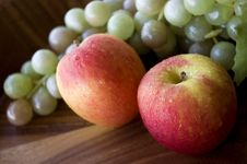 Free Close Up Fresh Apples And Grapes Stock Image - 23012951