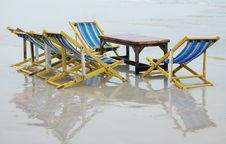 Free Relaxing Deck Chair On The Beach Royalty Free Stock Photography - 23022417