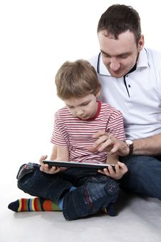Free Father And Son With The Computer. Royalty Free Stock Images - 23022569