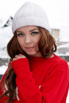 Free Young Red Hair Woman Outdoors Royalty Free Stock Image - 23034966