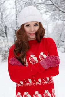 Free Young Red Hair Woman Outdoors Royalty Free Stock Photo - 23035025