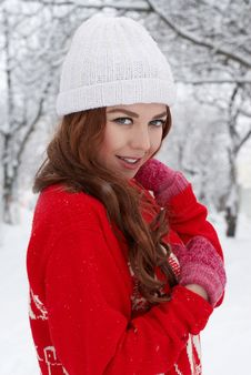 Free Young Red Hair Woman Outdoors Royalty Free Stock Photography - 23035057