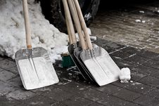 Free Snow Shovel Royalty Free Stock Photography - 23035447