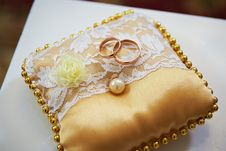 Free Wedding Rings On A Satin Pillow Royalty Free Stock Photography - 23037407