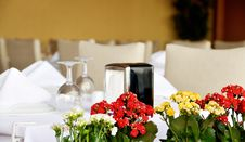 Free Table Appointments Royalty Free Stock Images - 23049049