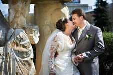 Happy Bride And Groom About Ancient Column Royalty Free Stock Photo