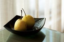 Free Pears On A Plate Stock Photography - 23086452