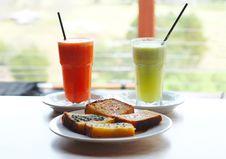 Free Vegetable Juice & Corn Bread Stock Image - 2313621