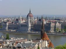 Free Parliament In Budapest Stock Image - 2314961