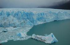 Free Majestic Patagonian Glacier Royalty Free Stock Image - 2319846