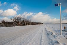 Free Rural Road In Winter Stock Photography - 23108822