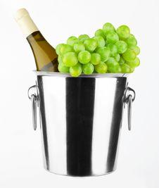 Free White Wine Bottle Royalty Free Stock Photo - 23125285