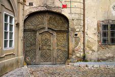 Free Old Wooden Door Stock Image - 23134241